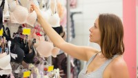 header_image_Article-Main-Fustany-Tips-on-how-to-choose-nursing-bras-AR