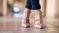 header_image_How-to-Style-Nude-Shoes-Flats-Valentino-Rockstud-Fustany-Style-Ideas-Main-Image